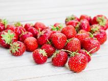 Truskawki - jakie witaminy zawierają? Czy truskawki mogą szkodzić?