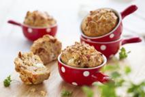 Babeczki serowo-szynkowe: doskonały pomysł na drugie śniadanie!