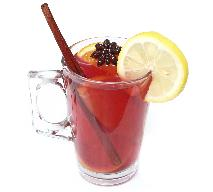 Rozgrzewające napoje z niewielkim dodatkiem alkoholu: jak przygotować?