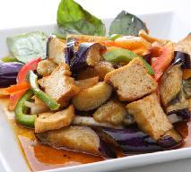 Tofu na ostro smażone z warzywami - jak zrobić?