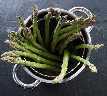 Jak gotować szparagi, by nie straciły swoich naturalnych właściwości?