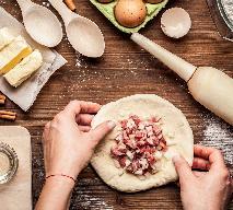 Rosyjski kulebiak z wołowiną: przepis Paula Hollywooda