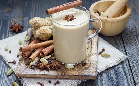 Koktajl króla Karola: przepis na mlecznego drinka bezalkoholowego