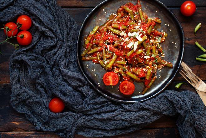 Fasolka pasteryzowana w przecierze pomidorowym: stary przepis