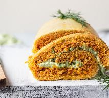 Pomidorowe roladki omletowe z awokado: przepis na pyszną przystawkę