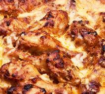 Pałki kurczaka pieczone z kaszą gryczaną: tanie i pyszne danie jednogarnkowe