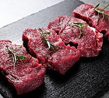 Aromatyczne steki wołowe w mięcie: przepis na pyszny obiad