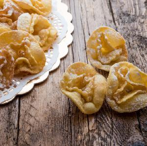 Włoskie faworki - bosko lekkie ciasteczka karnawałowe