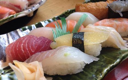 Czego warto skosztować w Kraju Kwitnącej Wiśni - co jeść w Japonii?