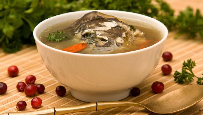 Zupa rybna na wigilijny stół