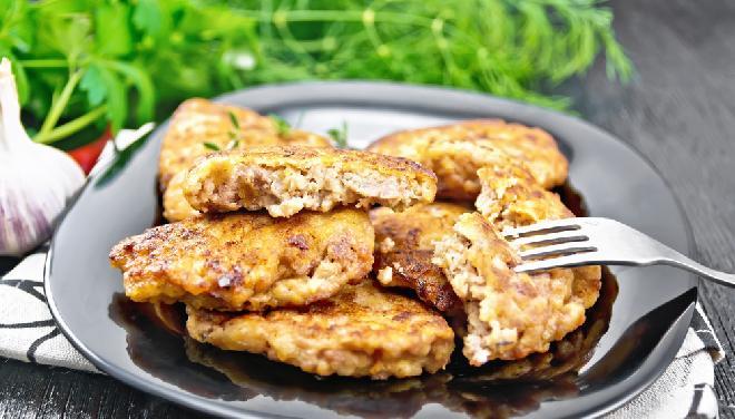 Szybkie placki z mielonym mięsem