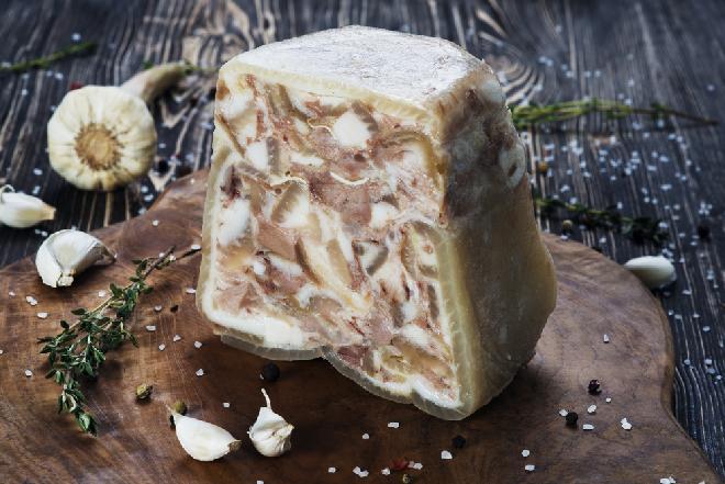 Salceson grzybowy - przepis na smaczny salceson z grzybów