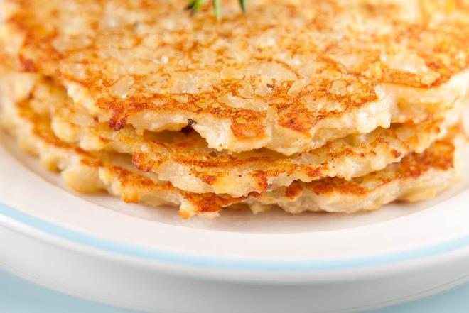 Sycące placki z gotowanych ziemniaków i sera - prosto, oszczędnie, smakowicie