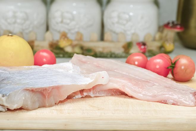 Ryba tołpyga - czy jest zdrowa, jak smakuje, przepisy na tołpygę